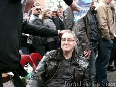 Tanar beat in Piata Saint Catherine. Bruxelles 2010