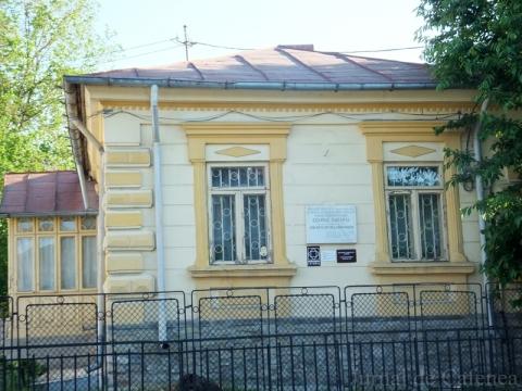 Fatada casei memoriale George Bacovia din orasul Bacau
