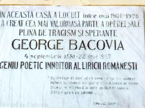 Placa de marmura cu Poema Finala de pe casa memoriala a poetului George Bacovia
