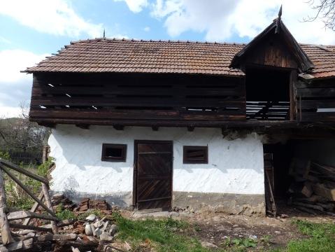 Casa Darmanesti - Grajdul anexa locuibila