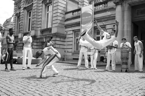 Capoeira man jumps (IMG_6254)