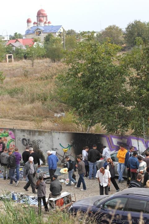 targul-de-duminica-bacau-si-biserica-IMG_7100