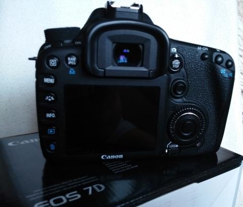 canon-eos-td-02