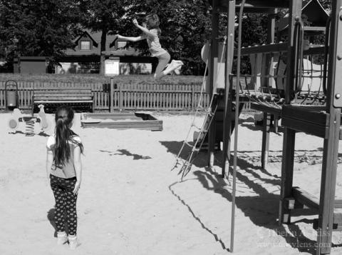 playground-jump